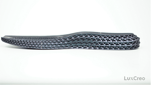 A 3D-printed iridescent insole